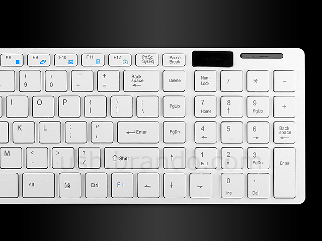 Wireless Slim Keyboard with Silicone Cover + Mouse